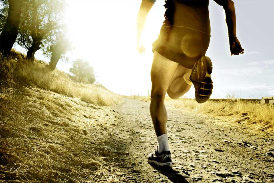 doorlopend-beter_cor-knipmeyer_chi-running-walking_loopcoach_hardlopen-man2